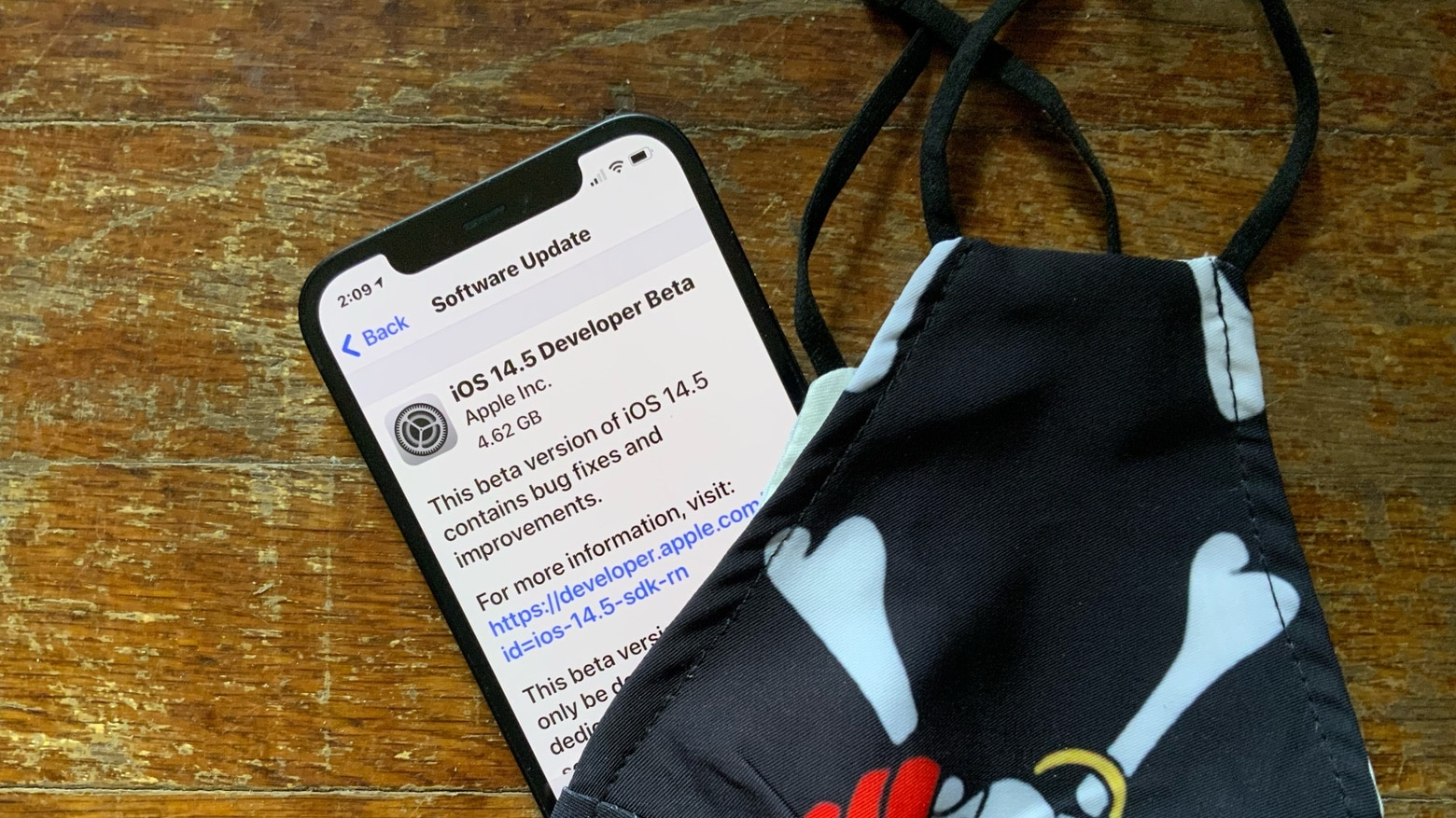 iOS 14.5 omite Face ID y desbloquea iPhones con Apple Watch