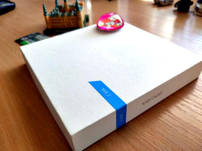 Vernee MIX 2 Review Caja completa para un teléfono económico