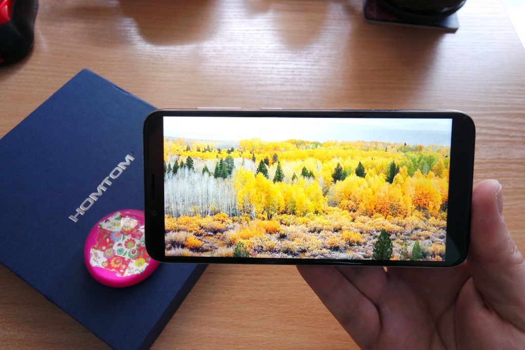 Homtom S8 Review 18 a 9 Infinity Display