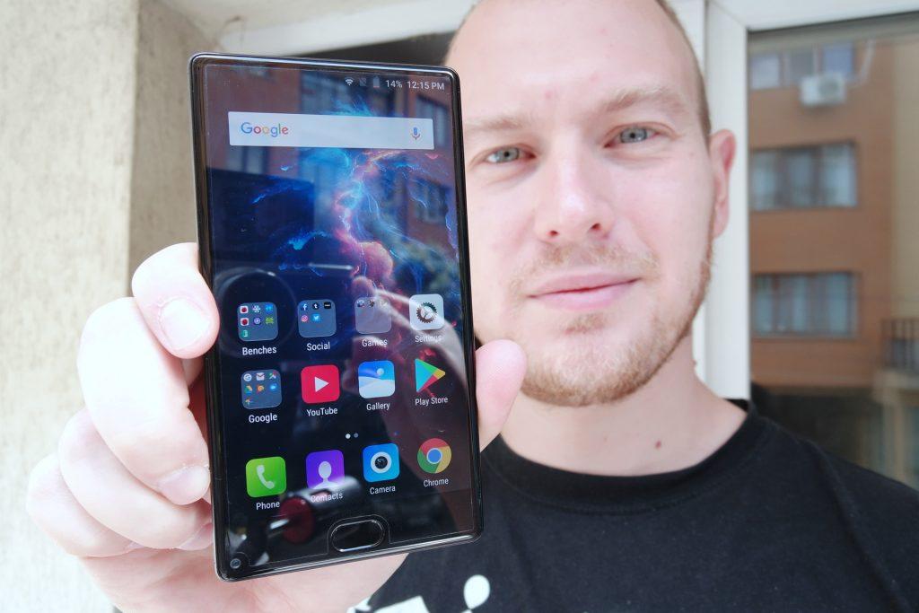 Leagoo KIICAA Mix: teléfono orientado a la pantalla y el tamaño