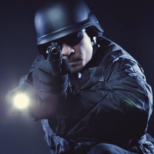 linterna táctica a tacticalpeak.com