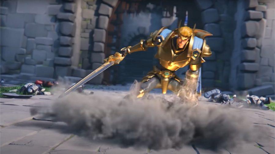 Un caballero deslizándose por el suelo con su espada.