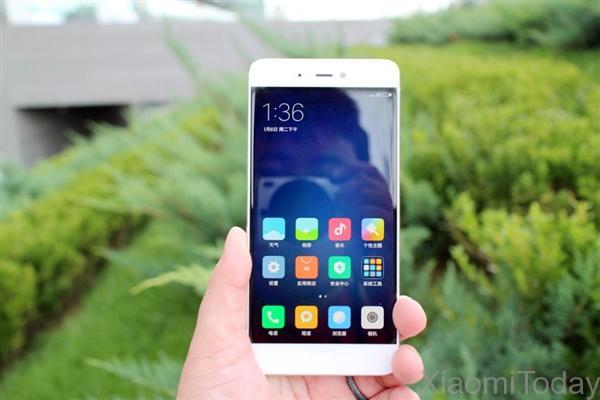 Xiaomi-mi5s-5s-plus-unboxing-and-comparison-1