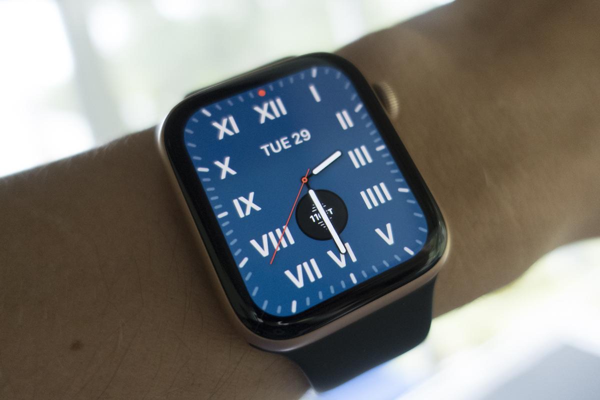 Apple acaba de proporcionar a millones de usuarios de iPhone enmascarados una gran razón para comprar un Apple Watch